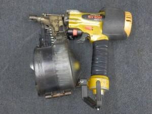 高圧ロール釘打ち機